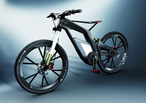 CFK-Renner auf zwei Rädern: Das Audi e-bike Wörthersee wiegt ohne seine elektrischen Bauteile nur elf Kilogramm.