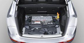 Audi Q5: Die Lithium-Ionen-Batterie wiegt nur 38 Kilogramm
