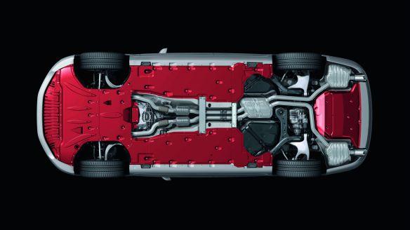 Audi A8: Großflächige Verkleidung am Unterboden