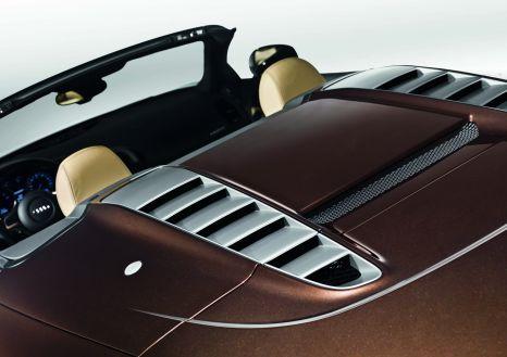 Audi R8 Spyder: Verdeckkasten-Deckel aus kohlenstofffaserverstärktem Kunststoff