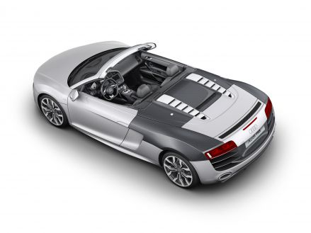 Audi R8 Spyder: generous use of carbon-fiber-reinforced polymer (CFRP) in the rear section