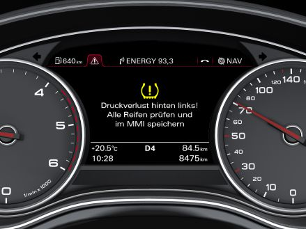 Accurate display: the pressure monitoring system display in the Audi A7