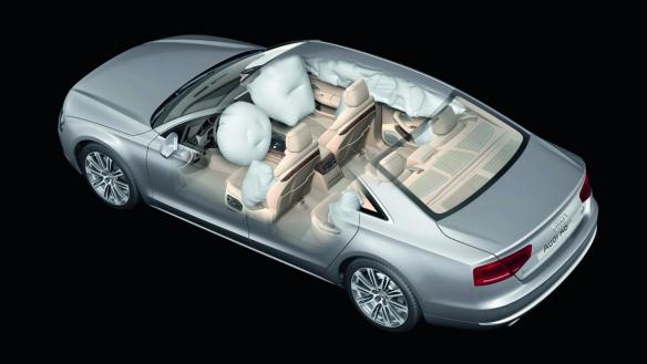 Rundumschutz: Acht Airbags im Audi A8