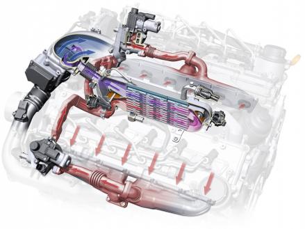 EGR in the V12 TDI: the radiator sits in the engine's inside V