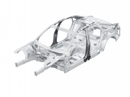Audi A8: B-pillars made from hot-shaped steel in the passenger cell