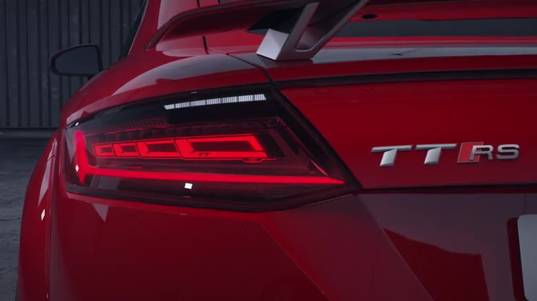 Audi TT RS Coupé und Roadster – Matrix OLED-Technologie